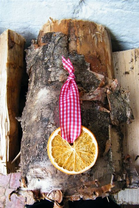 simple orange slice christmas decoration dried flower