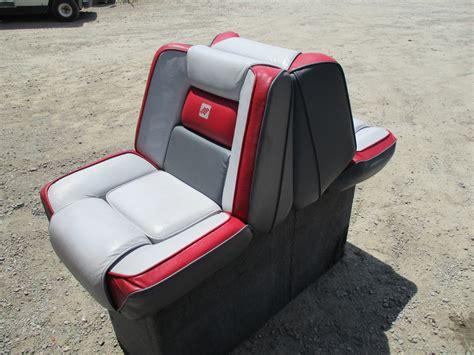 Four Winns Boat Seats For Sale by 1989 Four Winns Sun Downer Boat Back To Back Seat W Base