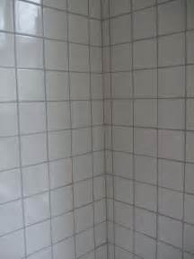 white tile grey grout upstairs bathroom