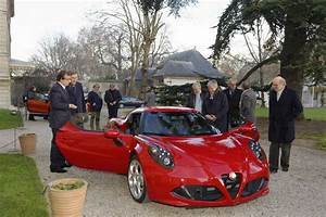 Alfa Romeo 4c Prix : l 39 alfa romeo 4c lue plus belle voiture de l 39 ann e 2013 l 39 argus ~ Gottalentnigeria.com Avis de Voitures