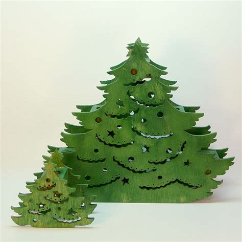 2 wooden christmas tree shaped candle holders green