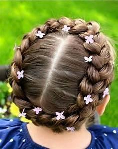Coiffure Facile Pour Petite Fille : coiffure petite fille chatain 40 coiffures de petite fille qui changent des couettes elle ~ Nature-et-papiers.com Idées de Décoration