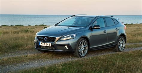 volvo group global volvo car group announces october retail sales global