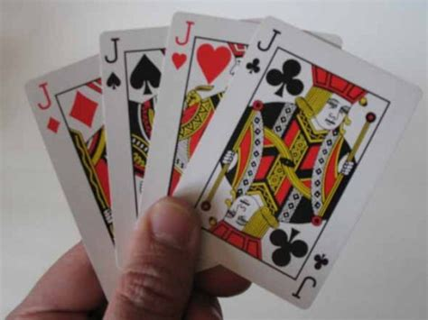 Here we collected 62+ simple card tricks for kids. How to Do Card Magic Tricks for Beginners | HobbyLark