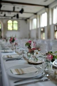 Baumscheiben Deko Hochzeit : 1000 images about hochzeit deko on pinterest wedding events wedding and mason jars ~ Yasmunasinghe.com Haus und Dekorationen