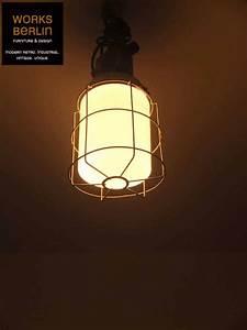 Vintage Lampen Berlin : vintage fabriklampe no 31 fabriklampe industrielampe fabriklampen industrielampen ~ Markanthonyermac.com Haus und Dekorationen