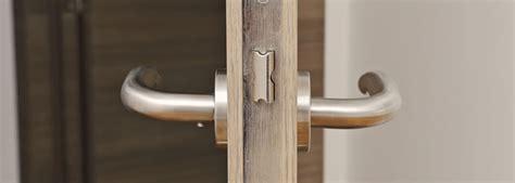 comment changer une porte d entree changer une serrure porte d entree evtod