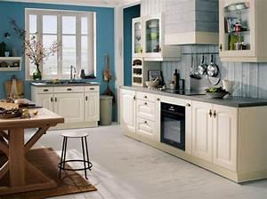 Cuisine Style Ancien : la cuisine blanche le blog des cuisines ~ Teatrodelosmanantiales.com Idées de Décoration