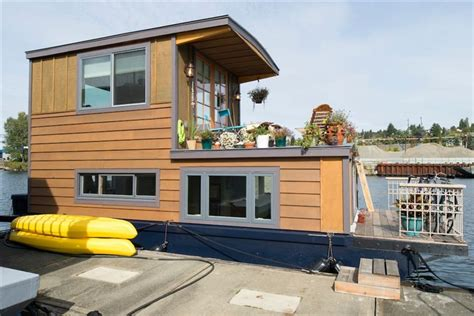 Airbnb Boat Rental Seattle by Lighthouse And Houseboat Vacation Rentals