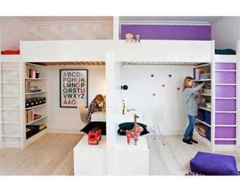 chambre 2 enfants partager la chambre en deux avec des lits mezzanines