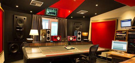 Design rumah idaman 10x14 lengkap dengan studio musik pribadi. Jasa pembuatan ruang studio musik | Desain Interior Jakarta
