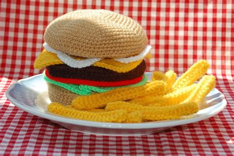 crochet cuisine burger fries knit crochet food pattern by bottletopboy