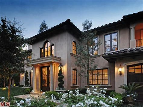 italian villa style homes kim kardashian sells beverly hills home ny daily news