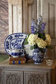 Decorating with Blue Willow
