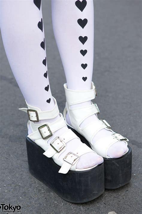 harajuku girls  sukajan jacket platform sandals cowl heart tights