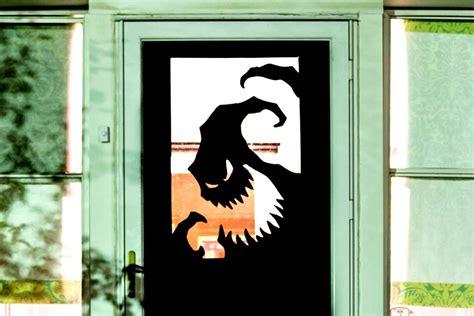 Cool Door Decorations - 8 spooky and definitely easy diy door