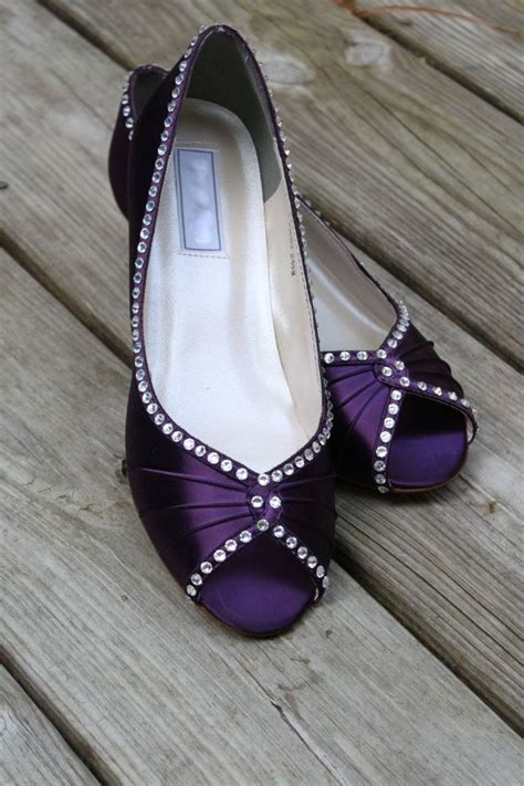 chagne colored wedges 1000 ideas about purple wedges on green