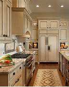 Kitchen Cabinets And Counters Kitchens Cabinets Kitchens Ideas Cream Cabinets Kitchens Kitchens