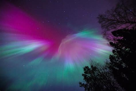 aurora borealis earth watson jennifer google skies dazzling severe dios hits storm solar displays sweden auroraborealis northernlights rt wow stunning