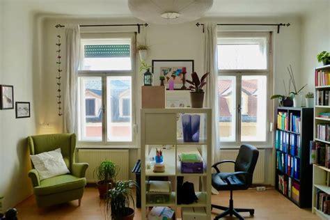 Ein Möbelstück Als Raumtrenner Zu Benutzen, Ist Eine Sehr