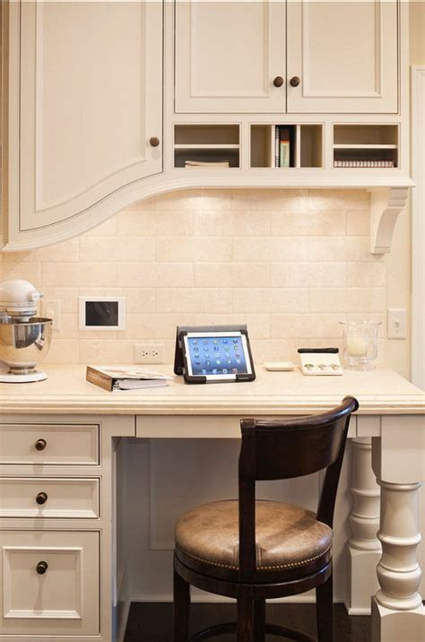Kitchen With Desk Area by Best 20 Kitchen Desk Areas Ideas On Kitchen