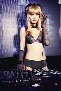 Lingerie Chantal Thomass : live fast magazine the best of fashion art sex and travel lingerie guide chantal thomass fw15 ~ Teatrodelosmanantiales.com Idées de Décoration
