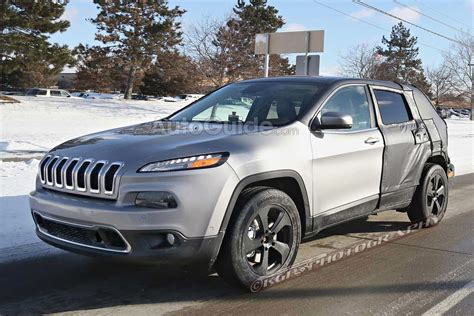 elongated jeep cherokee spied