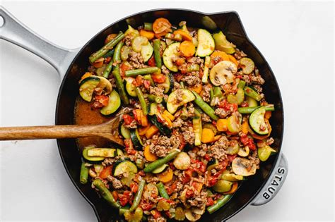 Changing the foods you eat can help lower your cholesterol and improve the amount of fats in your bloodstream. Low-Fat Skillet Ground Beef and Vegetables Recipe