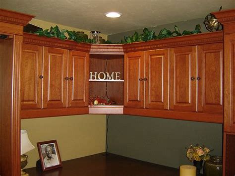 trade kitchen cabinets 1000 images about paint on black crown 2890