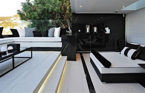 d駻ouleur cuisine décoration salon en noir et blanc