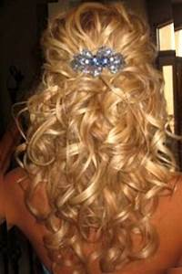 Half Up Half Down Curly Hairstyles Medium Length Hair wedding hair Pinterest Medium length