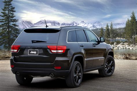 There are many other leasing options available depending on exactly what features you. Jeep Unveils Nameless All-Black Jeep Grand Cherokee ...