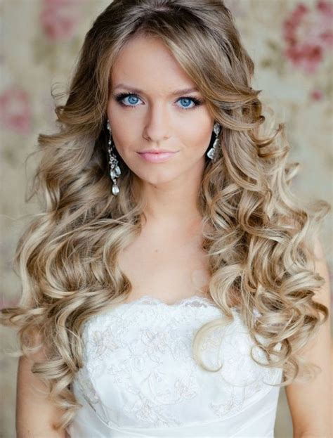 Curled Prom Hairstyles by 65 Prom Hairstyles That Complement Your Fave