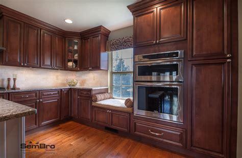 Kitchen Hardware Columbus Ohio by Signature Brownstone And Pearl Island Cabinets Kitchen