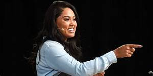 See Just How Skillfully Ayesha Curry Takes On Mommy ...
