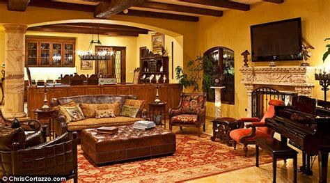 everybody raymond living room everybody raymond jolly brad garrett puts