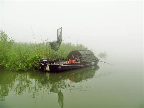 Auf Dem Boot by Karpfenangeln Augsburg Karpfenangeln Vom Boot