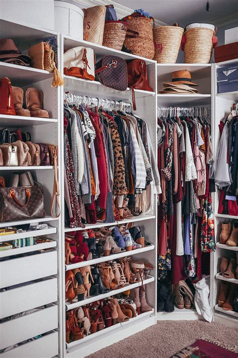 Clean The Closet by How To Clean Out Your Closet Closet Organization Tips