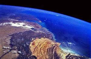 7 Amazing Pictures of Planet Earth from Outer Space ...