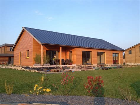 maison ossature bois toit solaire photovoltaique becokit maisons ossature bois