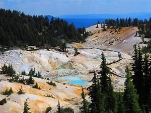 Hiking Bumpass Hell Lassen Volcanic National Park