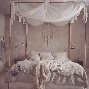 Himmel über Bett : man muss den himmel ber dem bett nicht unbedingt irgendwo festmachen es geht auch ein ~ Buech-reservation.com Haus und Dekorationen