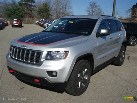 Bright Silver Metallic 2013 Jeep Grand Cherokee Trailhawk