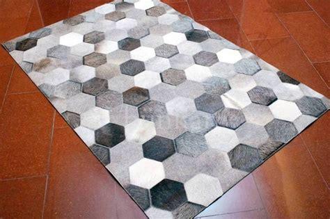 tapis en peau de vache pas cher tapis pas cher design et contemporain grand tapis salon moderne