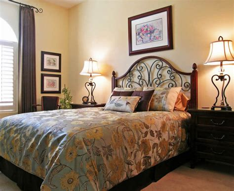 Guest Bedrooms :  Guest Bedroom Decorating Ideas
