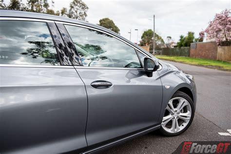 holden astra sedan ltz review