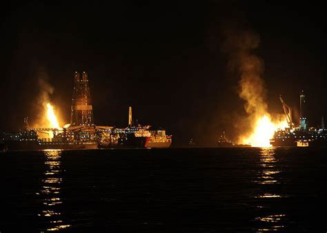 obama allows offshore drilling to resume without reviews