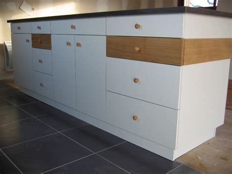 peindre des meubles de cuisine peindre meuble stratifie atelier retouche