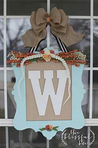 Beautiful burlap projects to welcome fall into your home