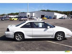 1995 Bright White Pontiac Grand Prix Se Coupe  18642018